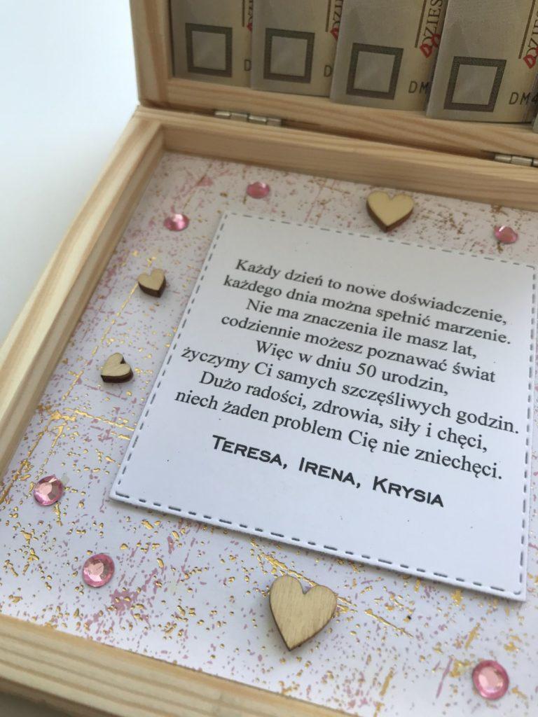 drewniane-pudelko-prezentowe