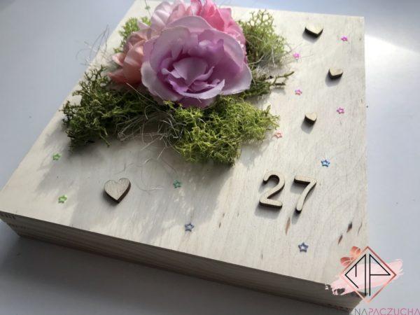 drewniane-pudełko-prezentowe