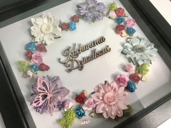 ramka-serce-z-kwiatow